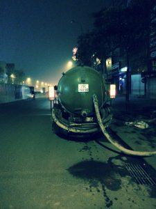 Thông tắc cống tại Bắc Ninh xuyên đêm